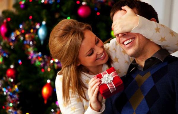 Что подарить на Новый год, чтобы наверняка порадовать близких?