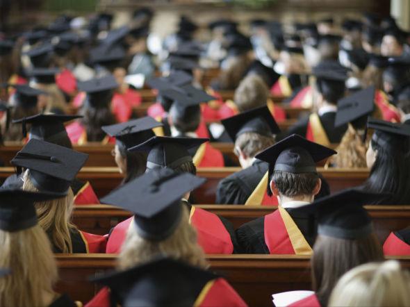 180302-graduation-editorial